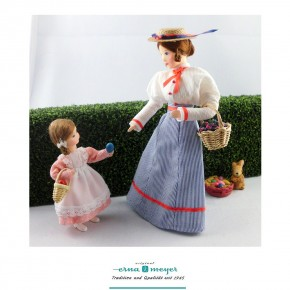 Charlotte and Auguste are going for a Easter walk - limited edition - Family (Set including mother and daughter)