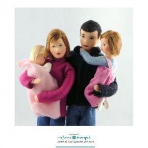 Familie 2 (Set bestehend aus Mama, Papa, Mädchen und Baby)