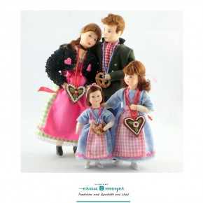 Family 3 - limited edition - Bavarian Family (Set including dad, mother and 2 daughters)