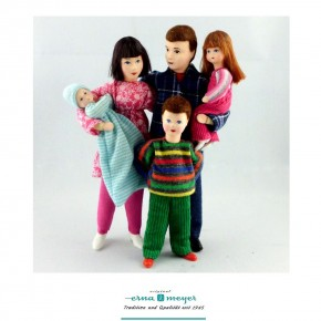 Family 7 - (Set including dad, mother, son, daughter and baby)